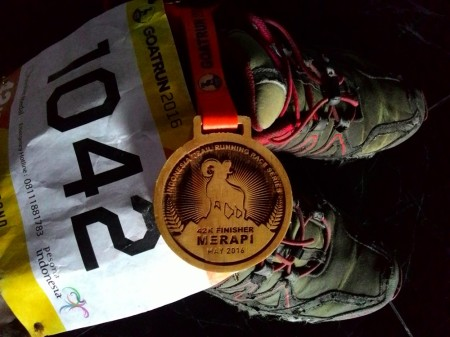Medali finisher 42K Goat Run Seri Merapi